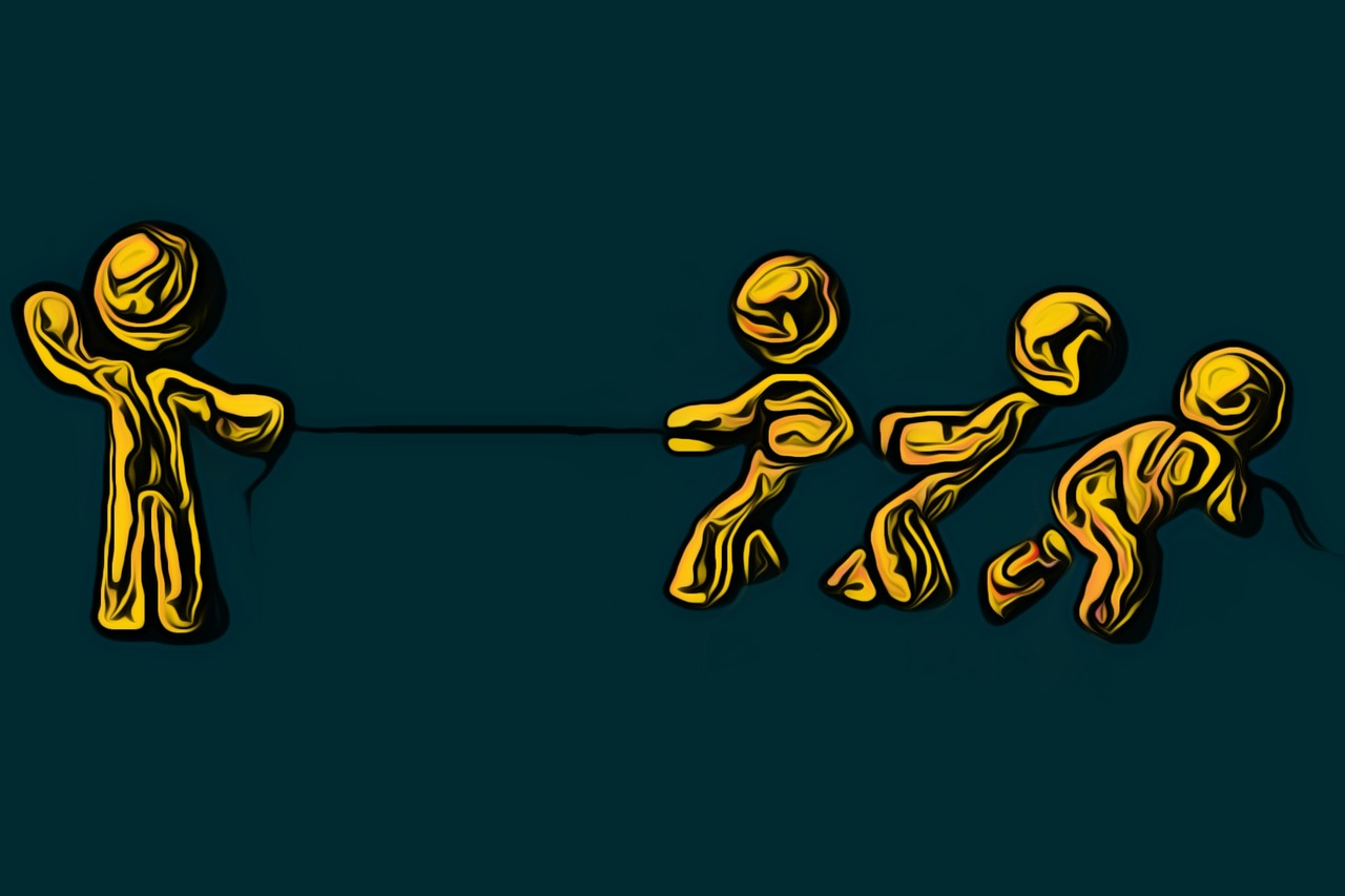 How to Win the Attentional Game of Tug-of-War